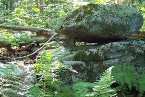 Pointer Stone