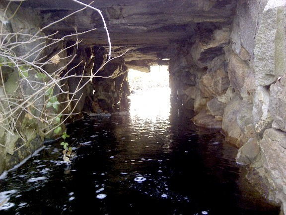 Culvert of antique stone